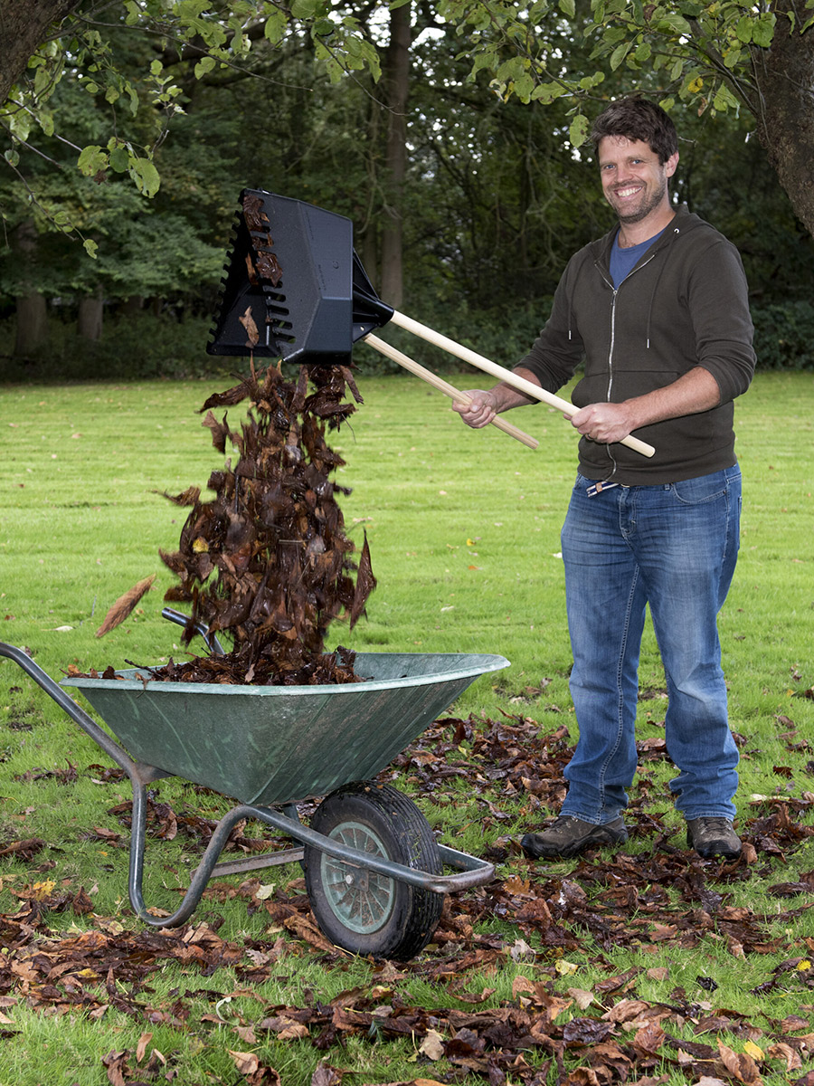 How The Clear 'N' Collect Will Clear Your Garden In Half The Time